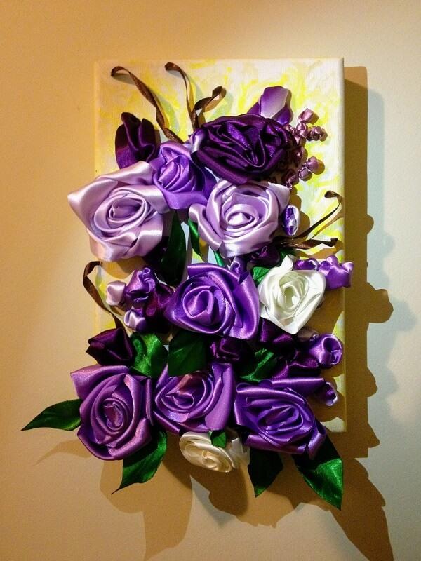 Flor de cetim quadros roxo