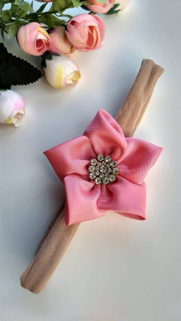 Flor de cetim tiara rosa