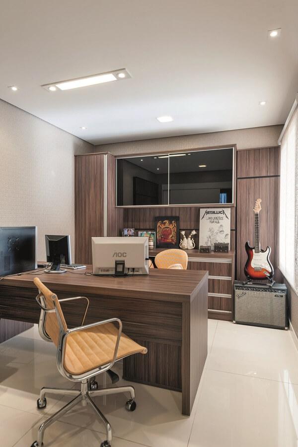 Móveis para escritório cadeira laranja