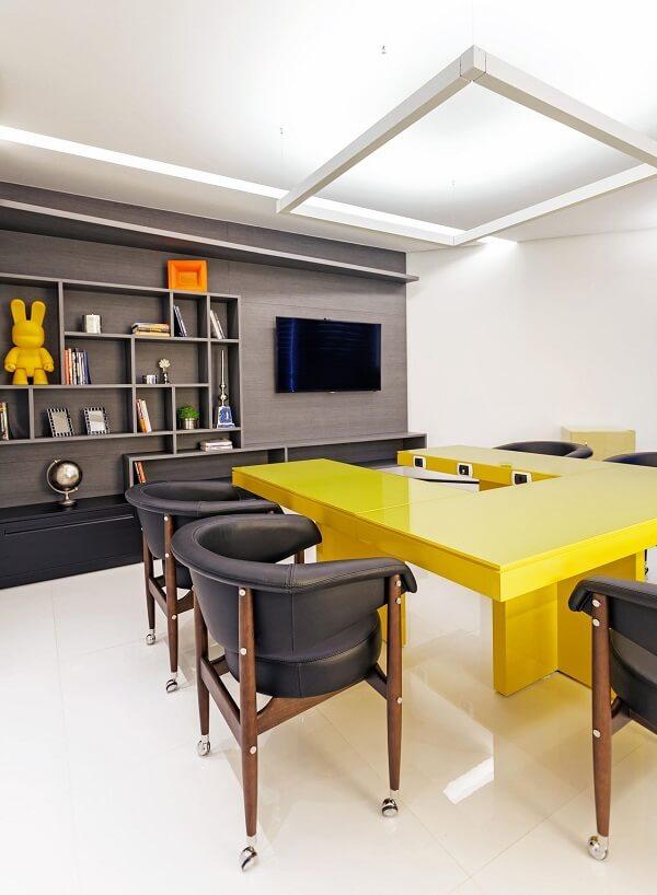 Móveis para escritório mesa amarela