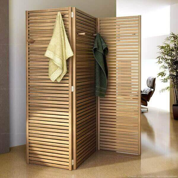 Modelo de biombo de madeira ripado