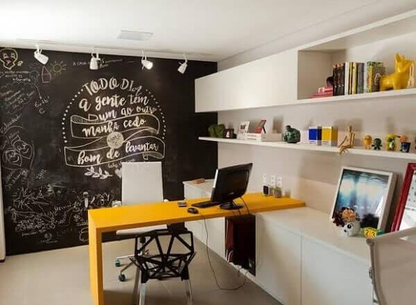 O quadro de recados para escritório aumenta a produtividade dos funcionários