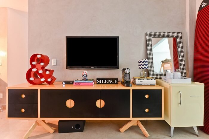 O rack retrô traz identidade para a decoração