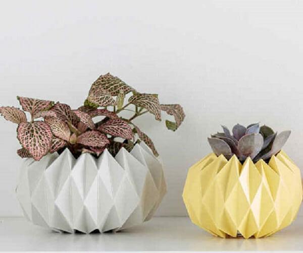 Easy origami decoration vases