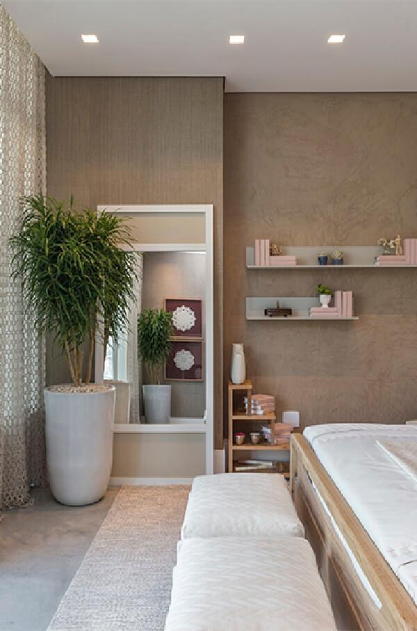 Os espelhos são peças decorativas que trazem funcionalidade para o quarto