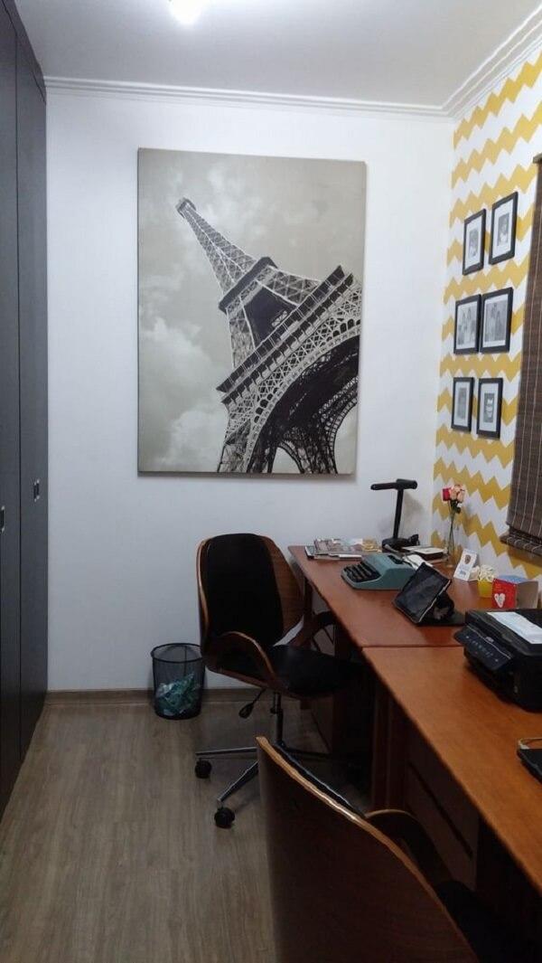 Quadros para escritório com monumentos famosos são comuns nas decorações