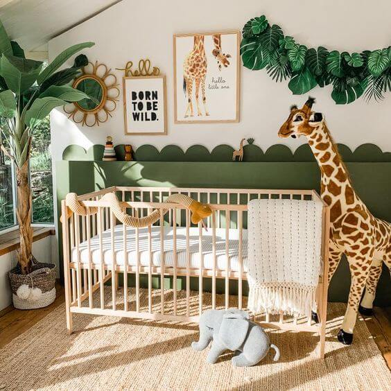 Quadros para quarto de bebê com frases e animais são comuns na decoração desse cômodo. Fonte: Etsy