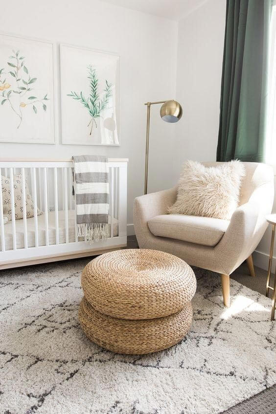 Quadros para quarto de bebê com imagens delicadas. Fonte: Pinterest