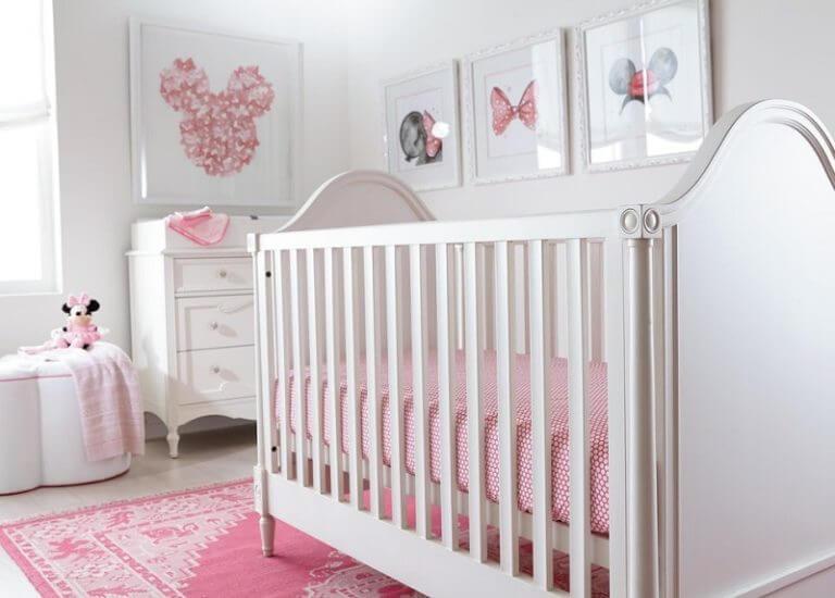 Quadro para quarto de bebê com temática da Minnie. Fonte: Arkpad