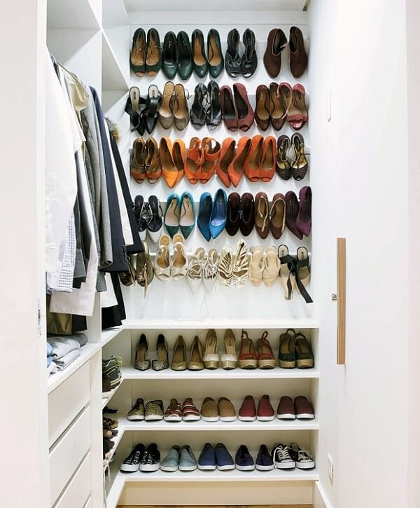 Reserve um cantinho especial em casa para guardar seus calçados