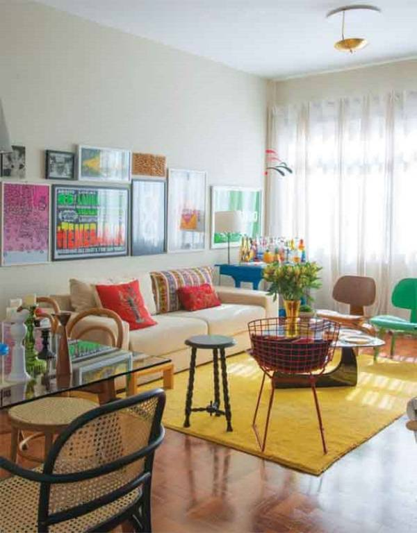 Tapete amarelo retangular sala de estar