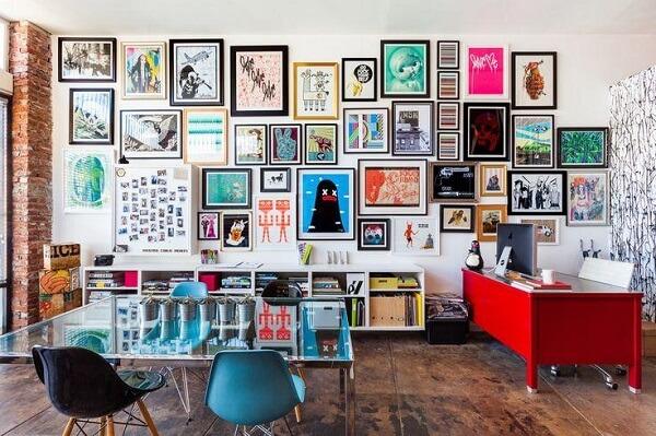 Traga cor e vida com quadros para escritório