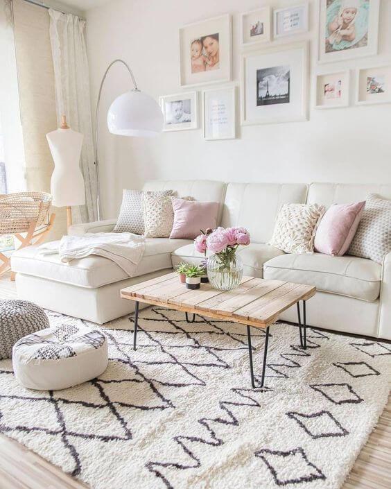 Almofadas para sofá bege e feminino
