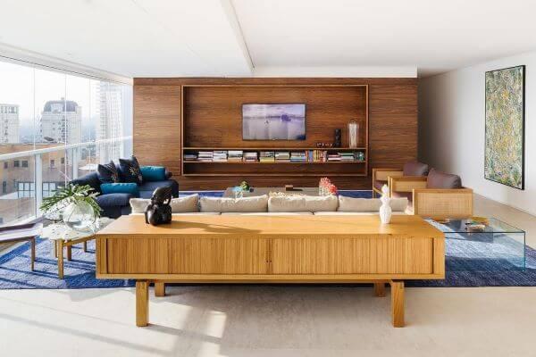 Aparador de madeira para sala moderna