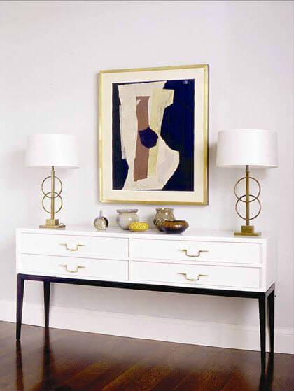 Aparador para sala branco e clássico
