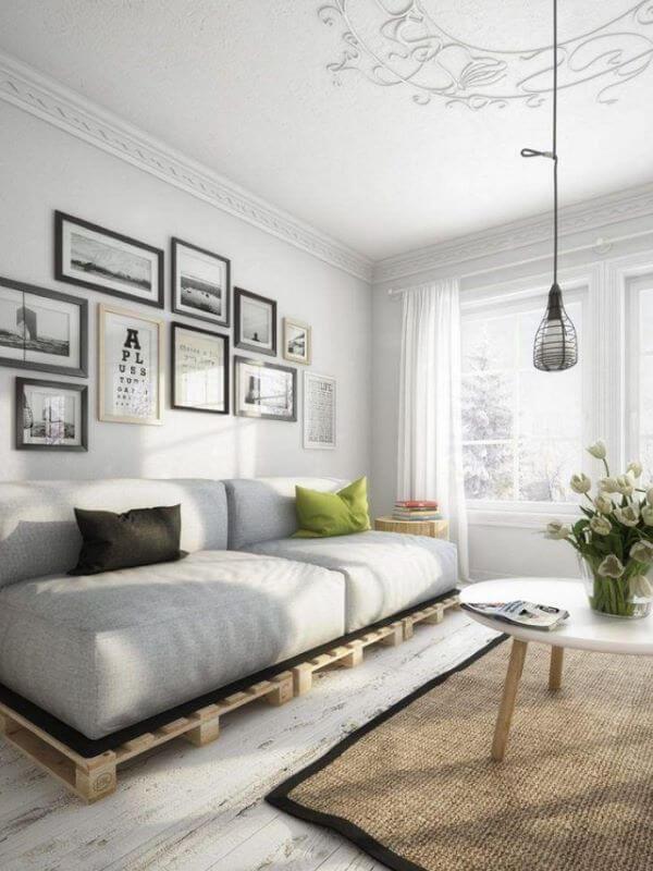 Aprenda como fazer sofá de palete para usar na sala de estar