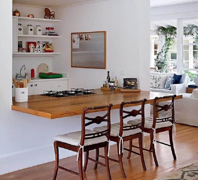 bancada gourmet de madeira com cooktop Foto Webcomunica