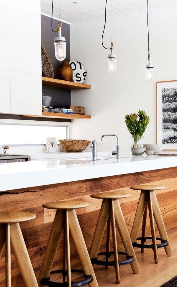 banco de madeira para balcão cozinha com ferro