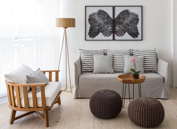bancos de madeira para sala com almofadas