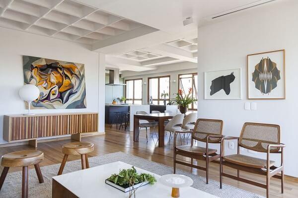 bancos de madeira para sala de estar