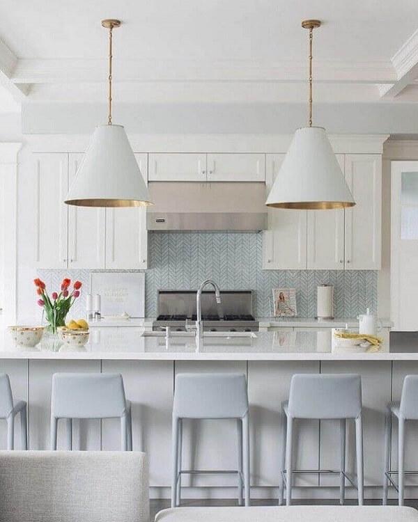 banqueta branca para cozinha