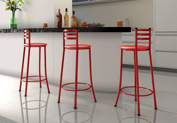 banqueta vermelha para cozinha com encosto