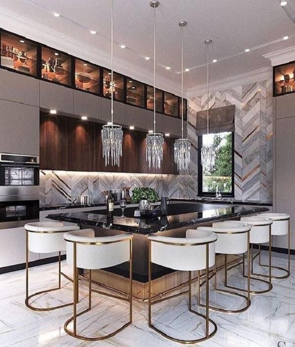 banquetas modernas para cozinha brancas e lustre