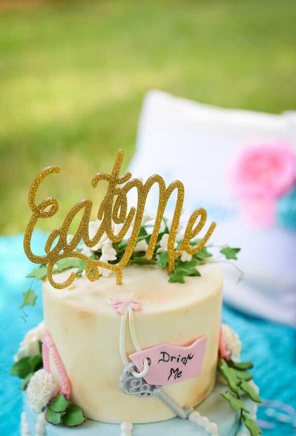 alice party cake in simple wonderland Foto Pinterest