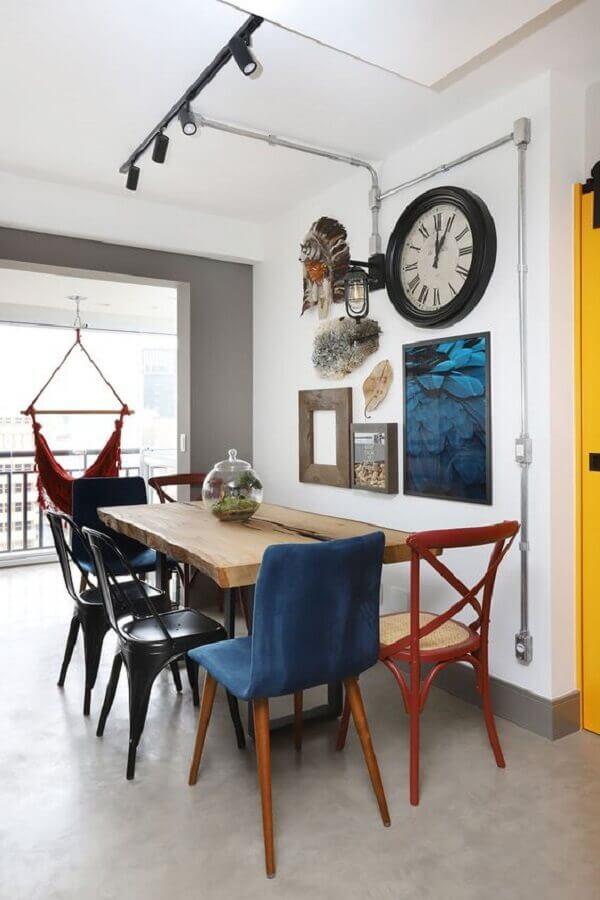 cadeira de jantar preta para sala de jantar simples Foto Casa de Valentina