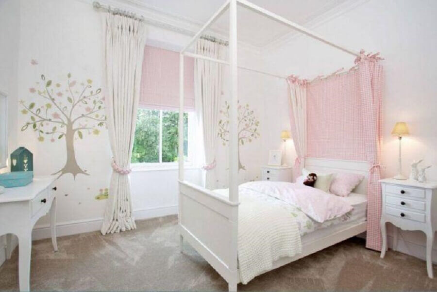 cama com dossel para decoração de quarto de menina branco e rosa Foto Paula Fisher