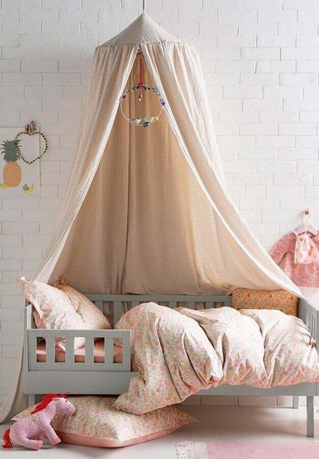 cama com dossel para decoração de quarto de menina clean Foto DecoPeques