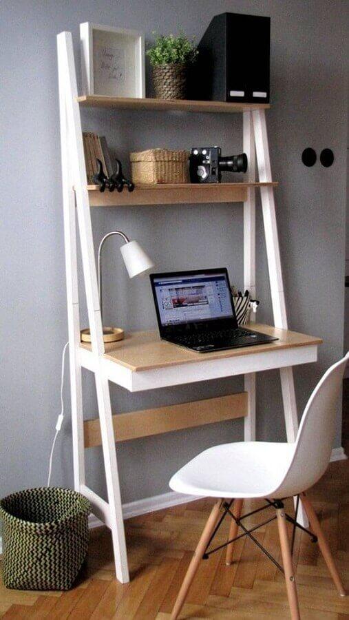 cantinho de estudo simples com escrivaninha com prateleiras Foto Solteiras Noivas Casadas
