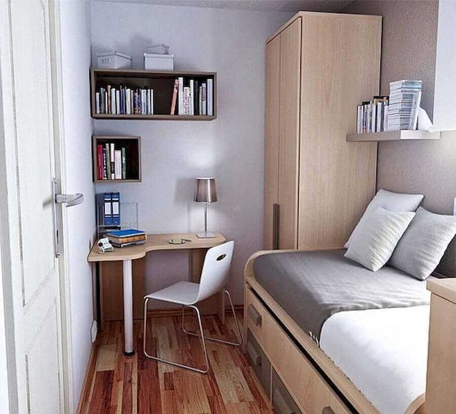 cantinho de estudo simples e pequeno para quarto com móveis de madeira Foto 33Decor
