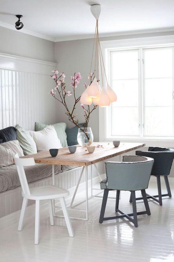 Canto alemão com mesa de madeira rústica, super confortável