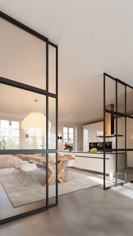 cozinha ampla com porta francesa de alumínio de correr Foto ArchZine