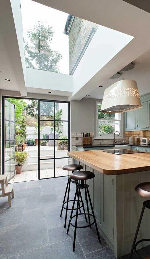 cozinha com portas francesas para varanda Foto Pinterest