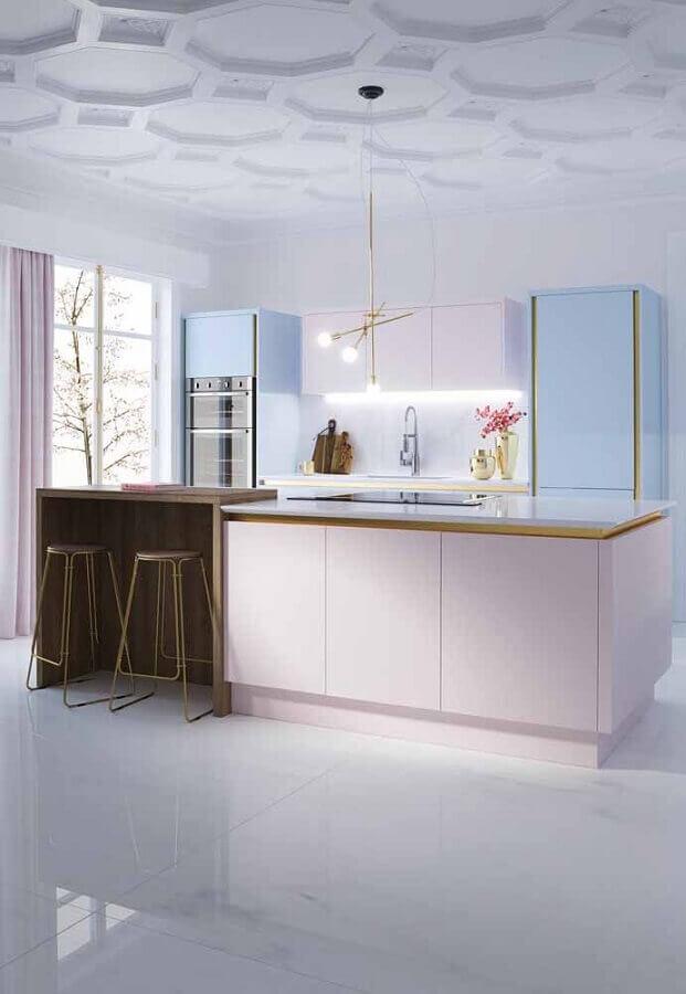 cozinha modulada com ilha decorada em tons pastéis Foto Behance