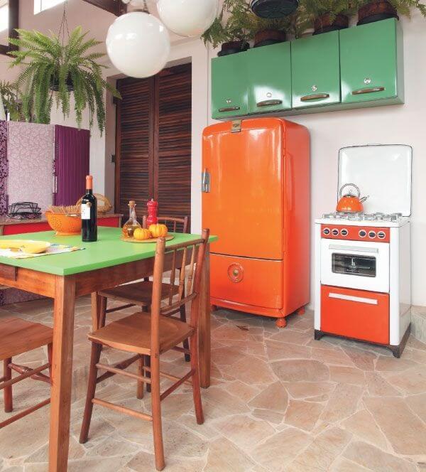cozinha vintage verde e laranja