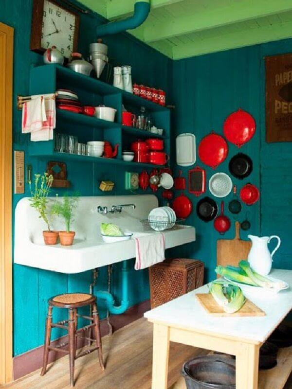 cozinha vintage verde decoração vermelha