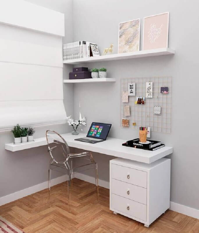 decoração cantinho de estudo pequeno com escrivaninha branca Foto Revista VD