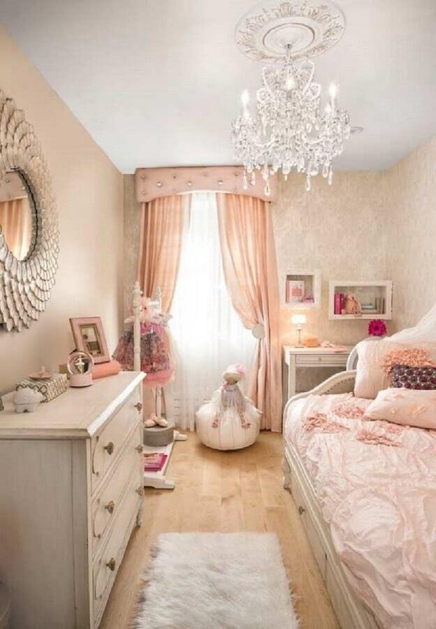 decoração clássica para quarto de menina com lustre de cristal Foto Home Fashion Trend