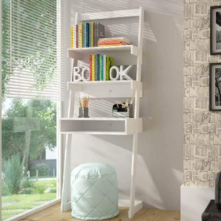 decoração clean com escrivaninha branca com estante pequena Foto Pinterest