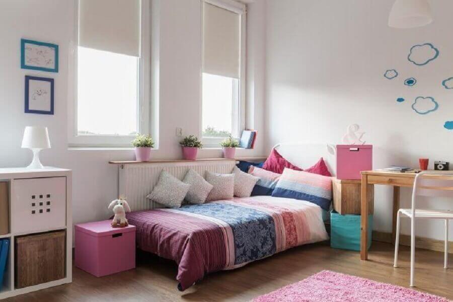 decoração colorida para quarto de menina simples Foto Istock