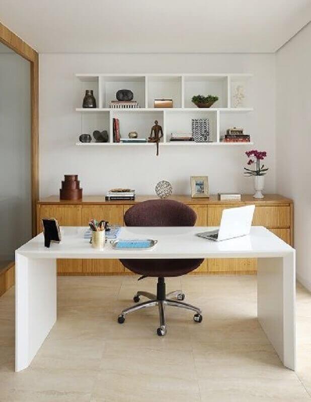 decoração com mesa de escritório branca simples Foto Eu Amo Decoração