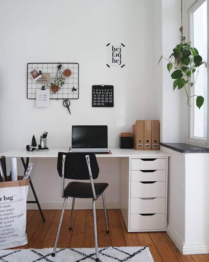 decoração com mesa de escritório com gaveta simples Foto Futurist Architecture