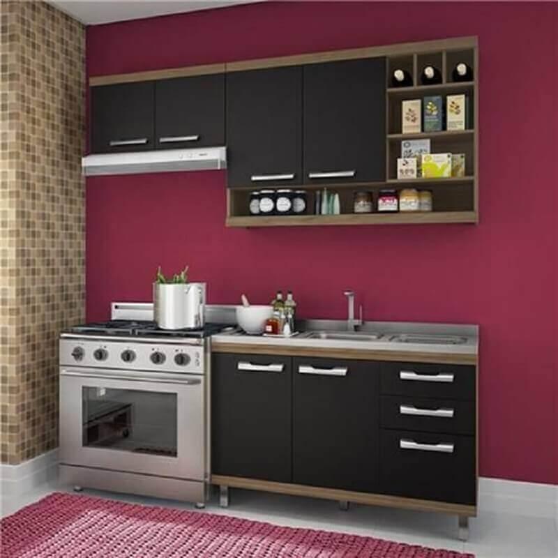 decoração cozinha modulada simples com parede pintada de vinho Foto Webcomunica