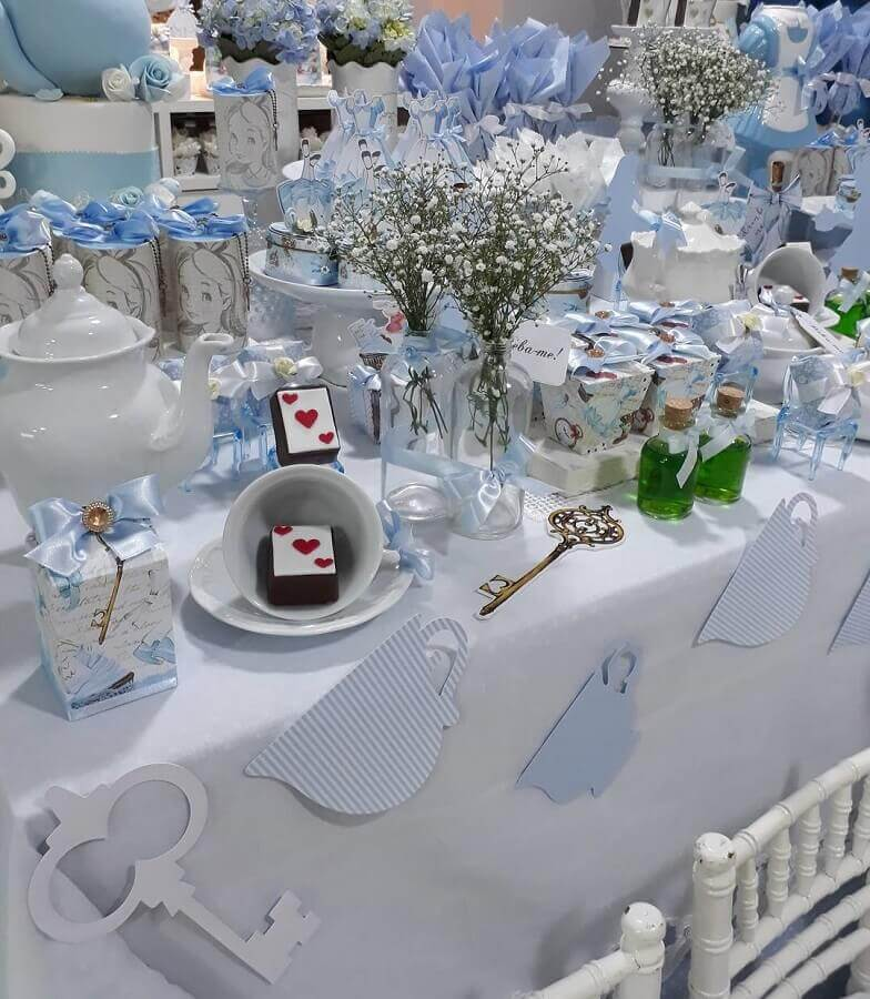 alice party decoration in blue and white wonderland Photo Catch My Party