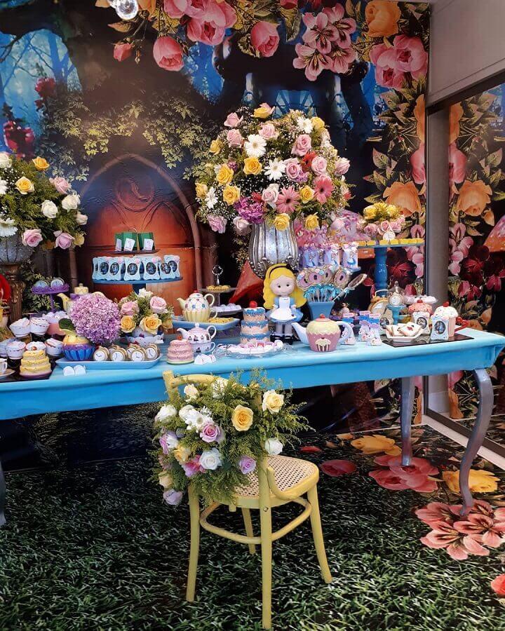 alice party decoration in child wonderland Foto Pinterest