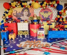 decoração de festa mulher maravilha Foto Analê Festas e Eventos
