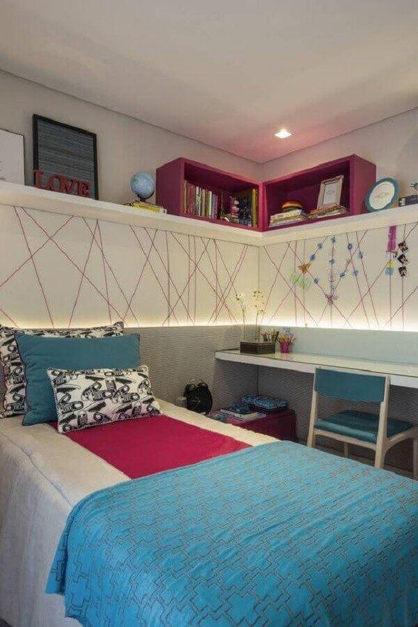 decoração de quarto de menina azul rosa e branco Foto Pinterest